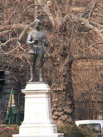 Bálint Balassi - Balassi Bálint statue at the Kodály körönd in Budapest