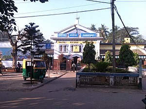 Gangadharpur - Baruipara railway station is 1.5 km from Gangadharpur