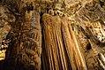Beautiful Luray Cave (7531171902).jpg