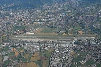 Orio al Serio International Airport - Image: Bergamo Orio al Serio airport Aerial view