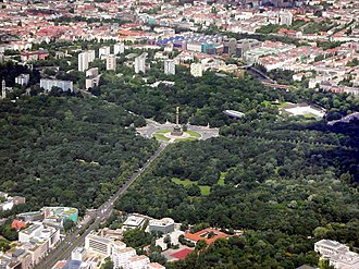 Tiergarten (park) - Großer Tiergarten in the centre, with the narrow long Kleiner Tiergarten at the upper edge.