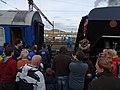 Beroun, Křivoklát expres (2014-12-13), připojování lokomotivy (02).jpg
