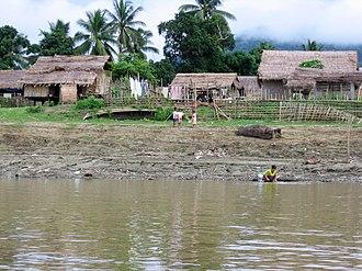 Bhamo - Image: Bhamo ayeyarwady d 12