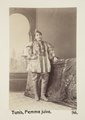 """Bild från familjen von Hallwyls resa genom Algeriet och Tunisien, 1889-1890. """"Tunis. Judisk kvinna - Hallwylska museet - 91999.tif"""