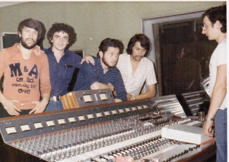 """File:Biografia Artistica de Alcides Mejia Hany """"Savia Andina Fundadores"""" 1975 07.jpg"""