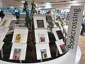 Book crossing aéroport de Turin (41423103714).jpg