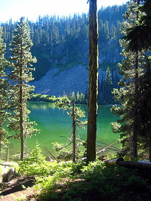 English: Boulder Lake in the Barlow District o...