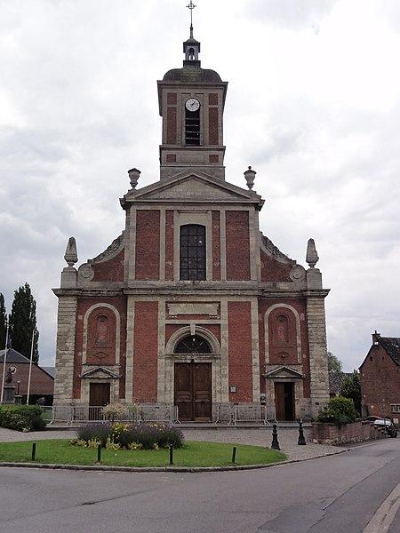 Bousies (Nord, Fr) église Saint-Rémi, extérieur.