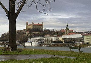 Castillo de Bratislava, ciudad anteriormente conocida como Presburgo.