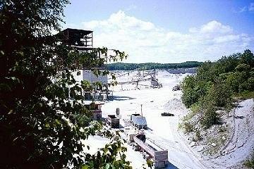 Bruce-Trail-quarry