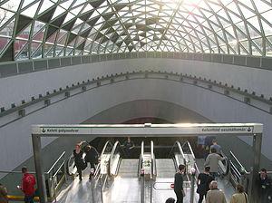 Bikás park - Image: Budapest Metro 4 Bikas park station