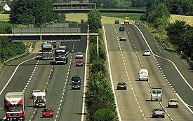Bundesarchiv B 145 Bild-F088783-0003, Bei Bad Honnef, Ferienverkehr auf der A 3