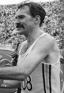 Bundesarchiv Bild 183-1983-0814-017, Helsinki, 1. Leichtathletik-WM, De Castella.jpg