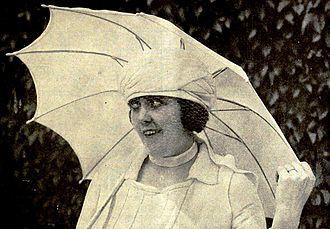 Lucille McVey - Still from Bunkered (1919)
