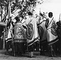 COLLECTIE TROPENMUSEUM Mannen gekleed in wikkeldoeken tijdens de feestelijkheden ter gelegenheid van twaalf jaar onafhankelijkheid van Kenya TMnr 20014332.jpg