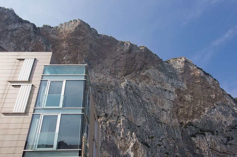 Campione del Garda modern house with cliffs.jpg