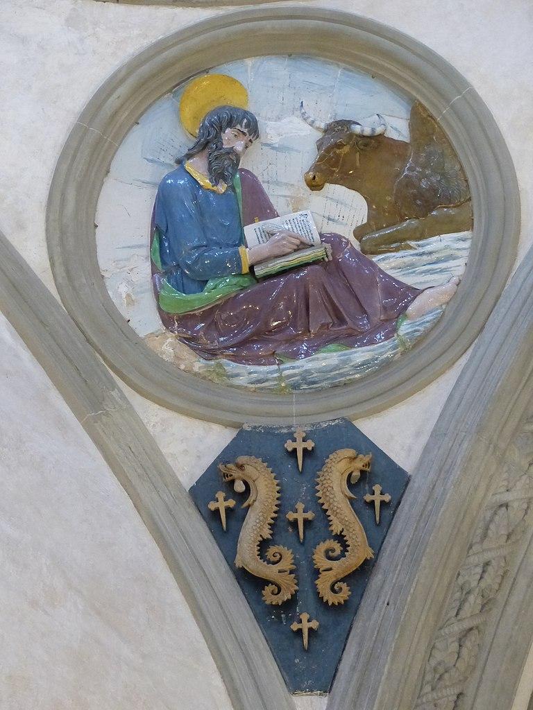 Andrea della Robbia, evangelisti e stemmi pazzi (Marco), 1445-50 circa, Capella Pazzi, Basilica di Santa Croce
