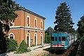 Carate Brianza - stazione ferroviaria - ALn 668.1074 (cropped).jpg