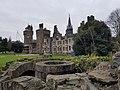 Cardiff Castle 20171209 131539 (47592128532).jpg