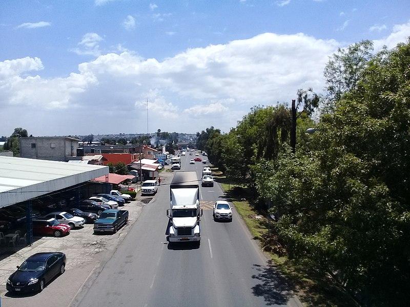 File:Carretera Vía Corta Tlaxcala - Puebla a la altura de Apetatitlán, Tlaxcala 01.jpg