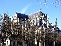 Catedral de Nantes, el presbiterio visto desde el Paseo de Saint Pierre