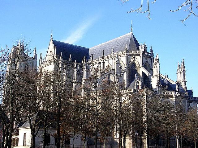 Vidéos-Cathédrale de Nantes vandalisée: caractères nazis, buste de Femen...(Celle de Limoges également profanée) dans France