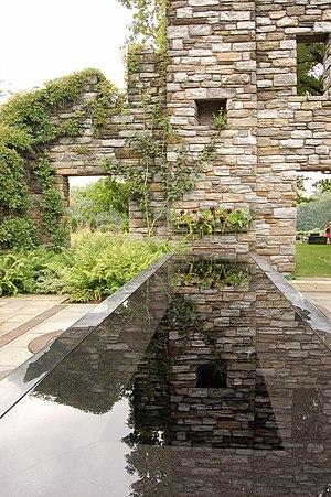 Chanticleer Garden - Image: Chanticleer Gardens Rock Garden 2000px