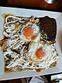 Chilaquiles con huevos.jpg