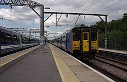 Chingford railway station MMB 03 315824 317664.jpg