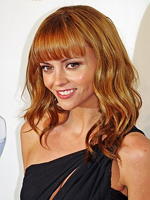 Summer of 4 Ft. 2 - Christina Ricci guest starred in the episode.