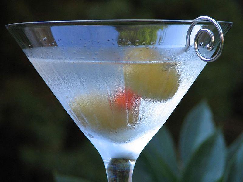 File:Classic martini by Ken30684.jpg