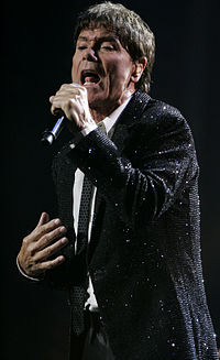 Cliff Richard performs at State Theatre; Sydney, Australia (2).jpg