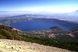 Tourism in El Salvador - Lake Coatepeque in the west of the country