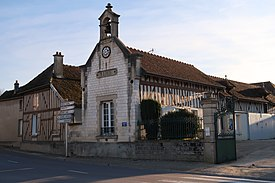 Coclois, mairie, voisinage.jpg