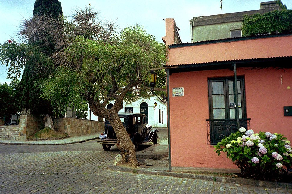 Colonia, Uruguay, street scene w.vintage car