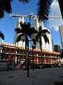 Construction tower crane on NE 2nd Ave, Downtown Miami.JPG