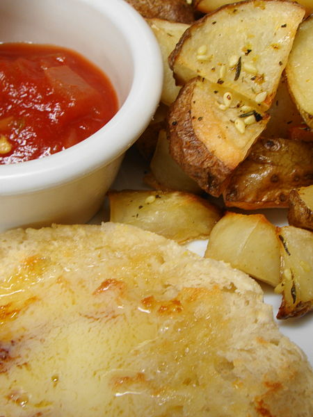 File:Country Potatoes and Vegan Muffin (4828526980).jpg
