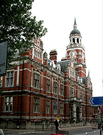 Croydon Town Hall, as seen from Katharine Street Croydon Town Hall - geograph.org.uk - 432983.jpg