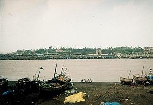 Daman Ganga River - Nani Daman fort on the Daman Ganga at Daman