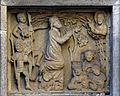 Das Münster St. Johannes in Bad Mergentheim. Mittelalterliches Relief über einem Seiteneingang.jpg
