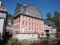 Das Rote Haus und Rur in Monschau Bild 2.JPG