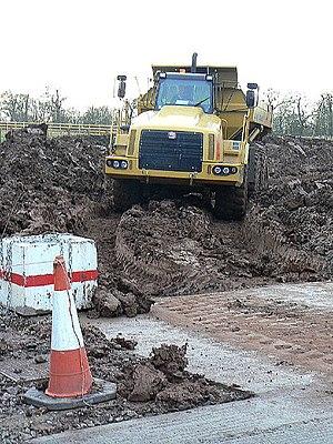 Articulated hauler - A Terex negotiating mud.