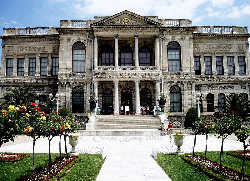 Súbor:Dolmabahce, Istanbul, Turchia.JPG