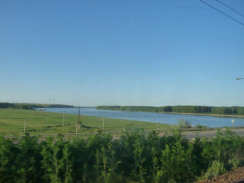 File:Donau oversteek west kanaal.jpg