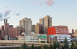 Downtown Duluth, Minnesota Skyline (25406820466).jpg