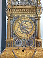 Dresden Zwinger Table clock Schuster 05.JPG