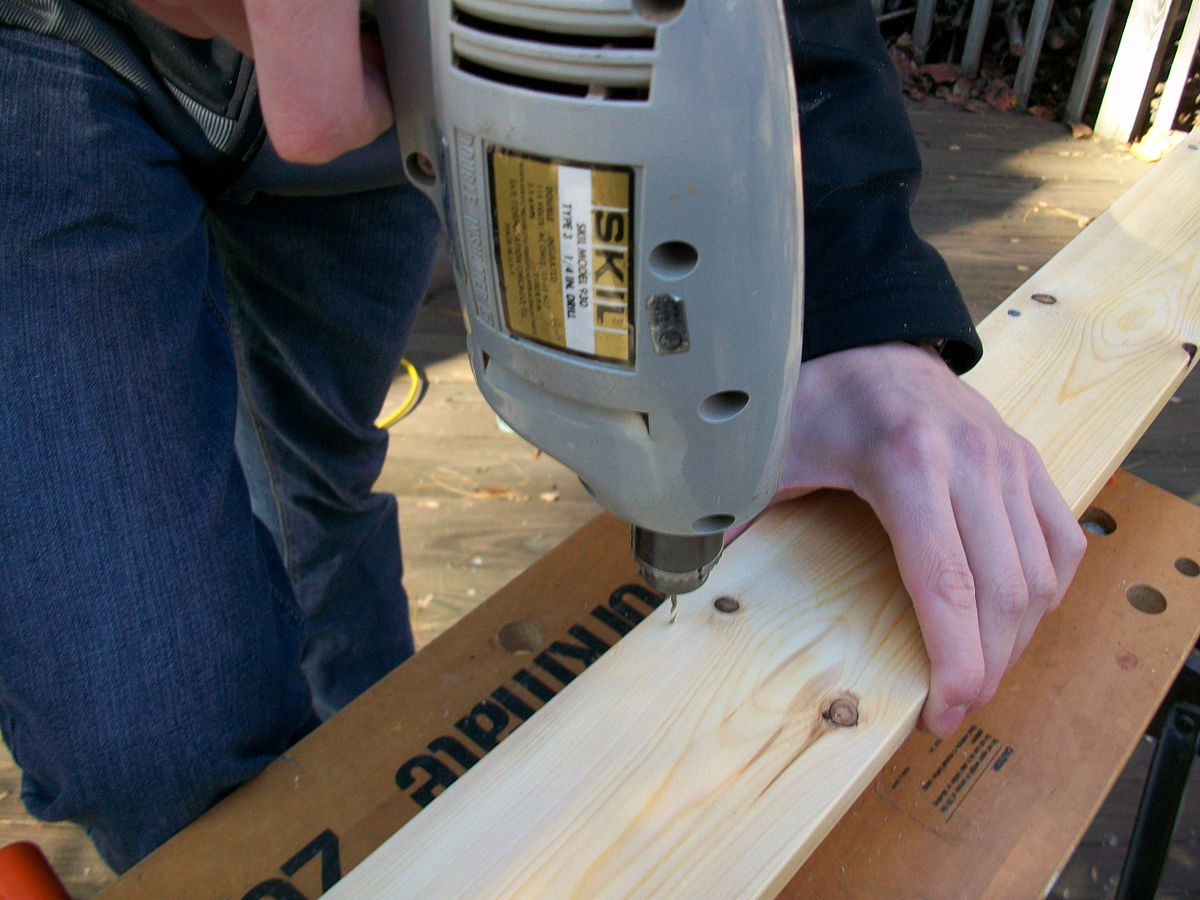 drilling guide holes for screws