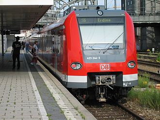 Munich S-Bahn - S-Bahn train at Hackerbrücke (Br 423)