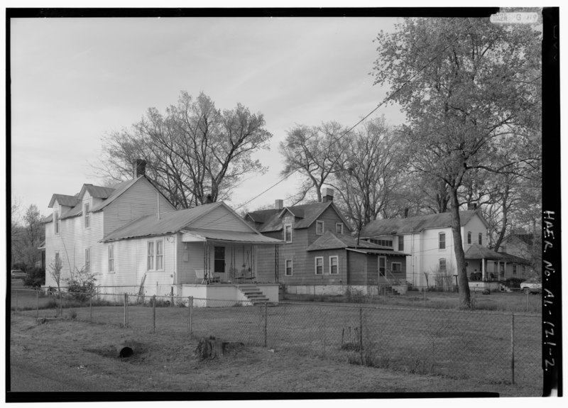 File:EXTERIOR VIEW, OBLIQUE PERSPECTIVE LOOKING NORTHWEST OF THE BACKYARDS OF THREE FIRST STREET RESIDENCES. - Thomas Worker Housing, Thomas, Jefferson County, AL HAER ALA,37-THOS,7-2.tif