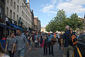 Edinburgh Grassmarket, Fringe 2014 crowd 002.jpg